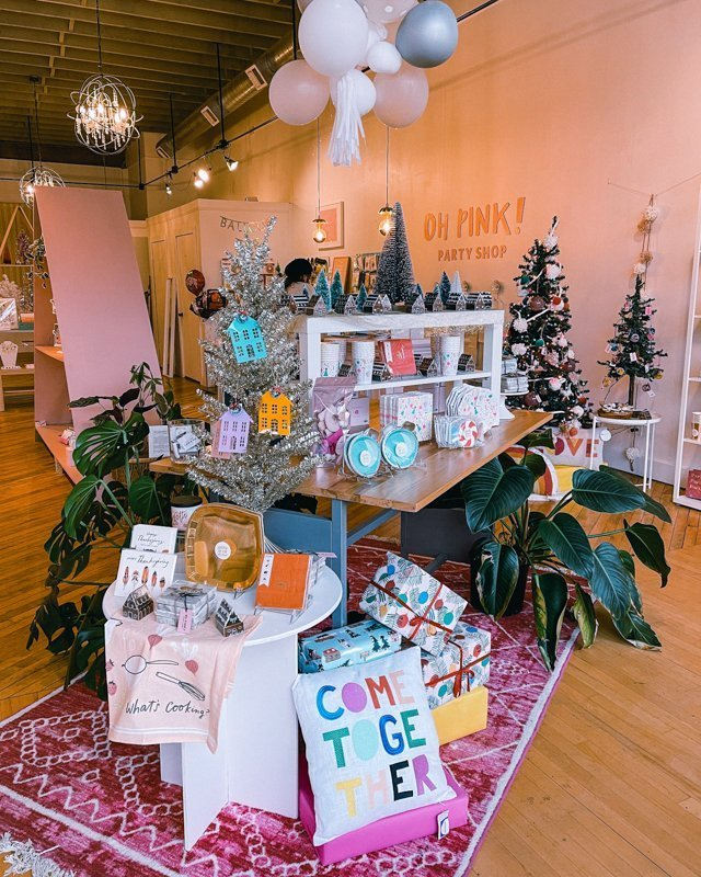Oh Pink! Party Shop Holiday decor